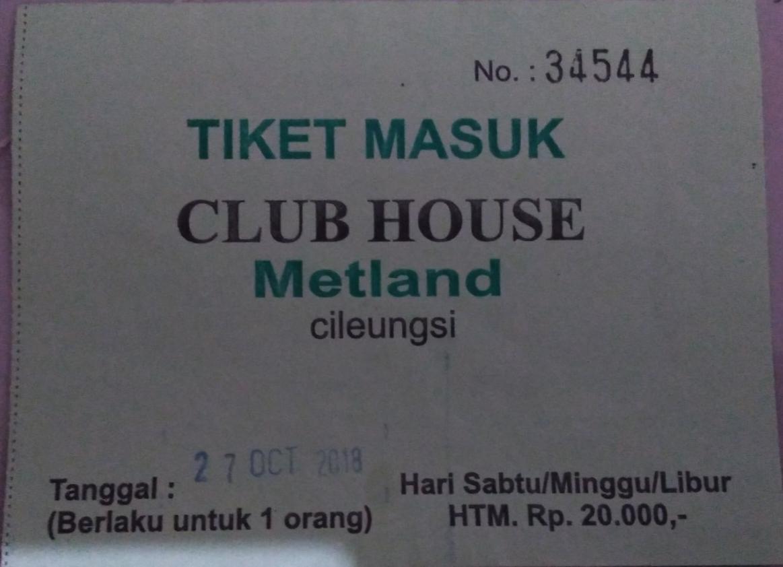 Tiket Masuk Kolam Renang Club House Metland Cileungsi